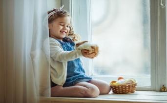 Çocuklara Hayvan Sevgisi Kazandırmanın Yolu: Tavşan Beslemek