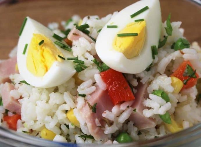 2) Oyundan sonra enerjilerini geri kazansınlar: Haşlanmış Yumurtalı Pilav